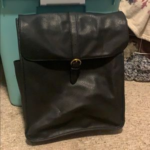 Universal thread leather backpack (Target)